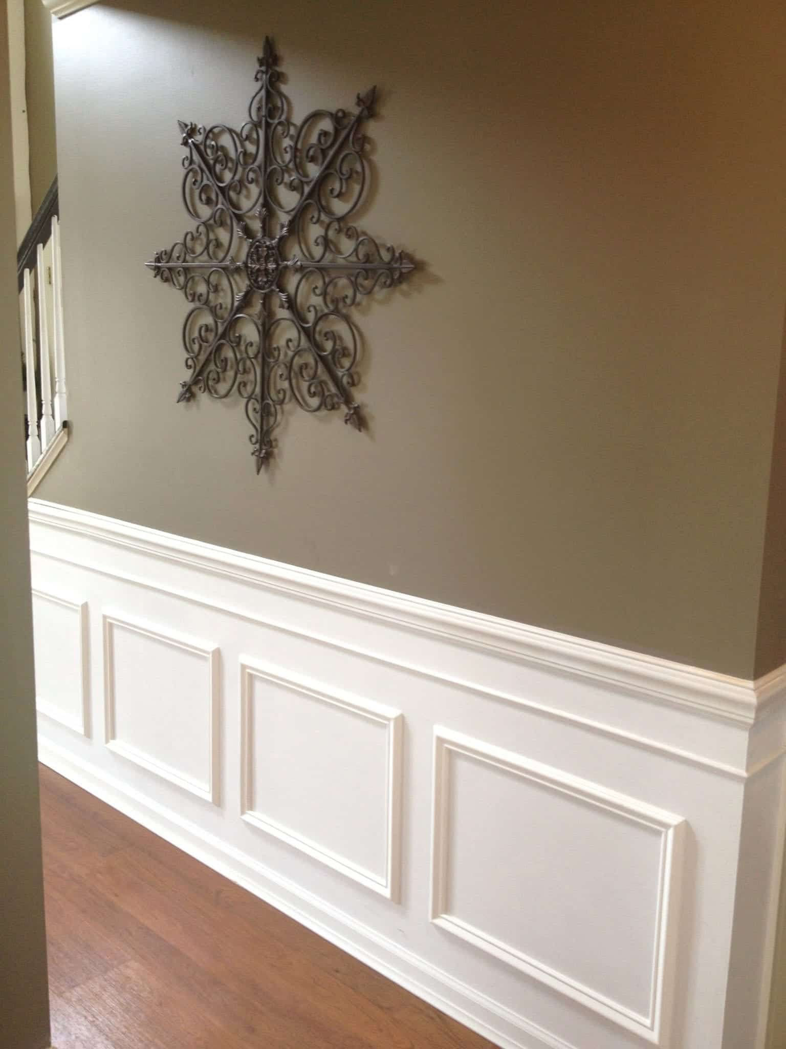 Diy classic wainscoting tutorial for Classic house tutorial