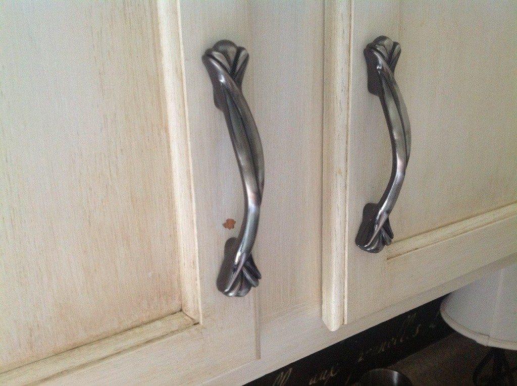 Latex vs enamel for kitchen cabinets