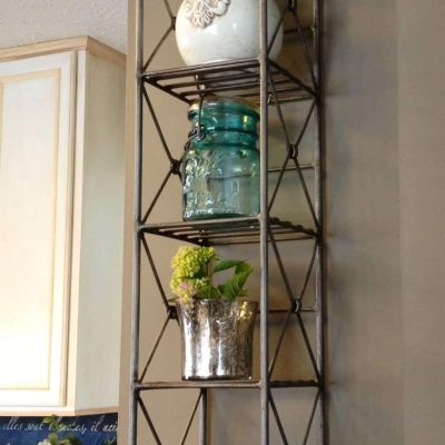 Upcycling: CD Tower as a Shelf