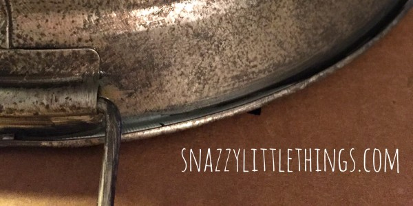 How to Age Galvanized Metal in One Easy Step (with craft paint!) - by SnazzyLittleThings.com
