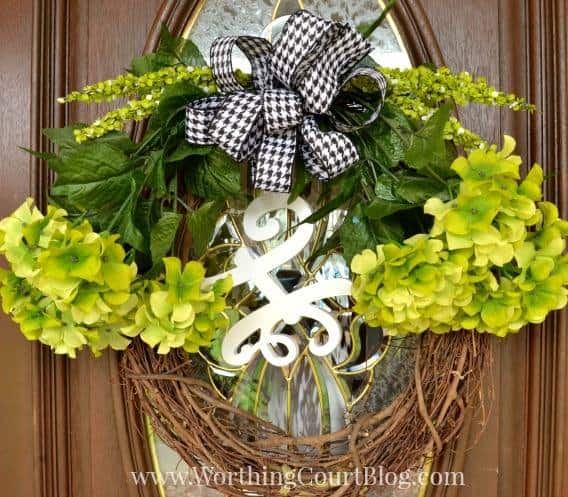 A 10 minute wreath, from Worthington Court Blog