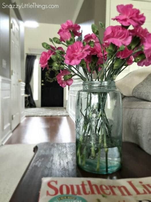 Mason Jar Mini Carnations @Snazzylittlethings