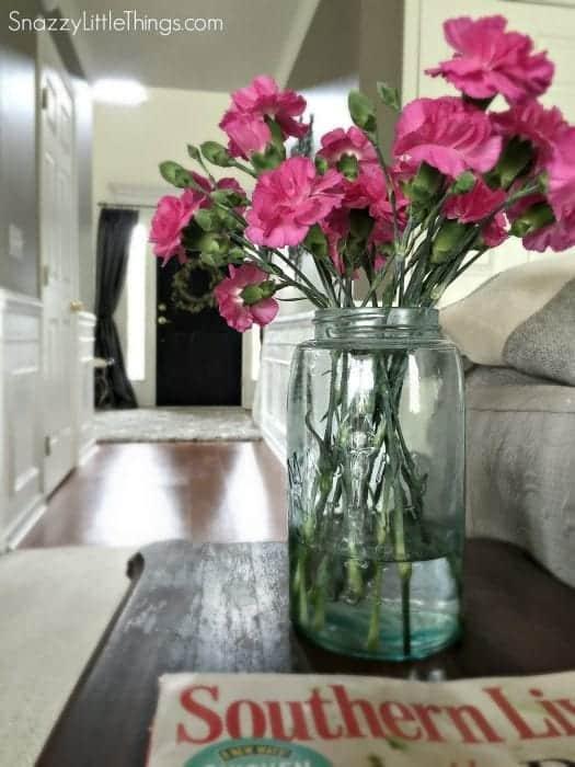 Mason Jar Mini Carnations @Snazzylittlethings