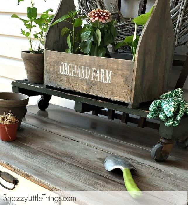Fall Home Tour 2015 - Potting Bench | by SnazzyLittleThings.com
