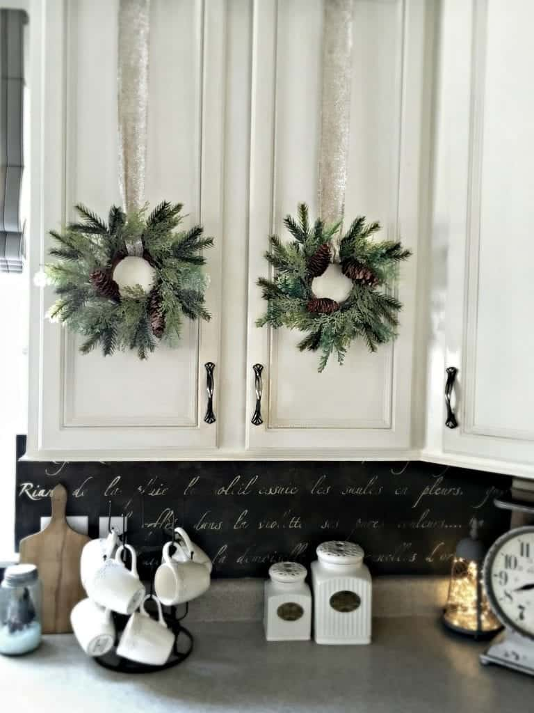Kitchen Wreaths Holiday Home Tour 2015 by SnazzyLittleThings.com