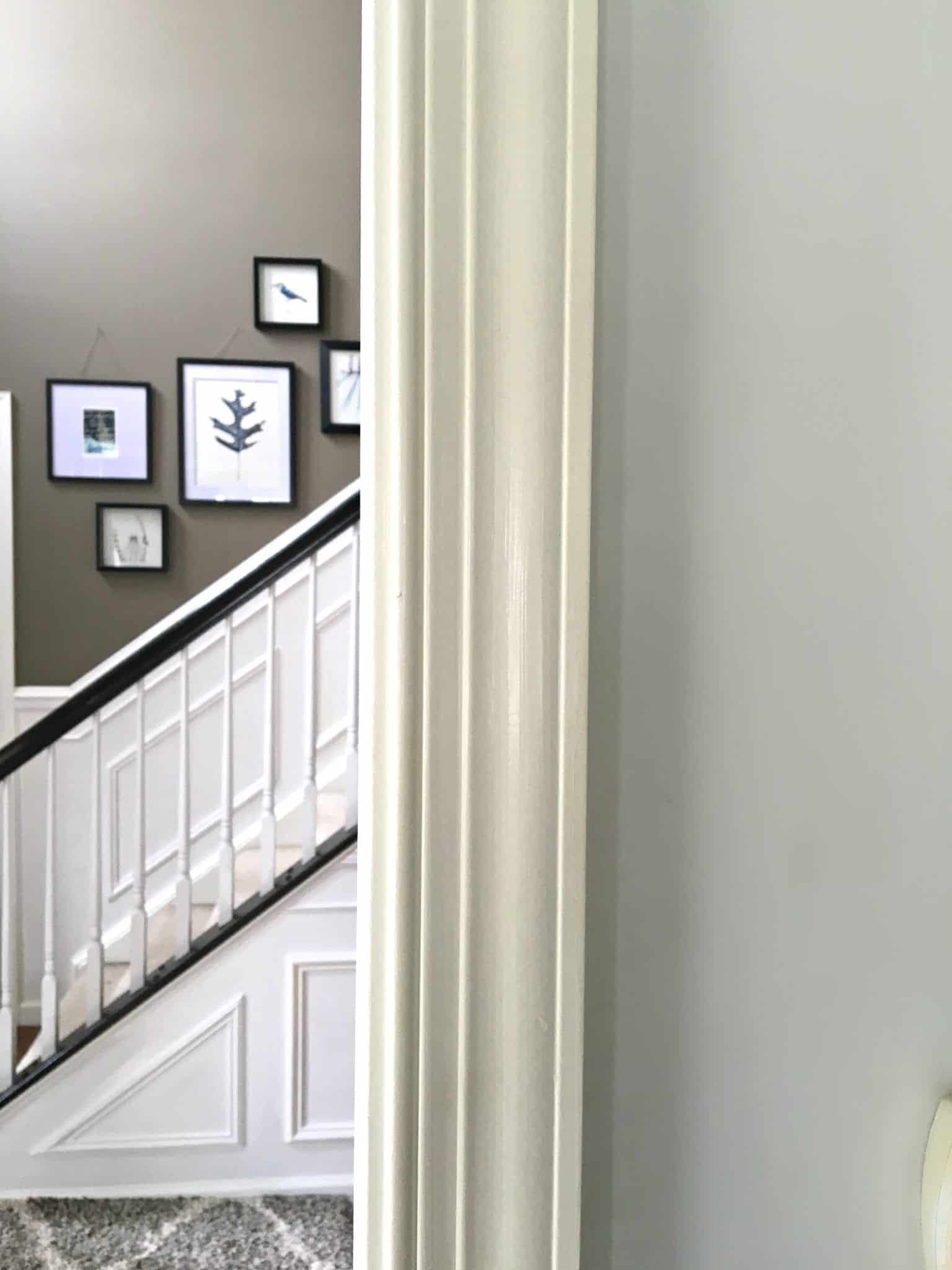 interior paint projects yellowing trim by snazzylittlethings. Black Bedroom Furniture Sets. Home Design Ideas