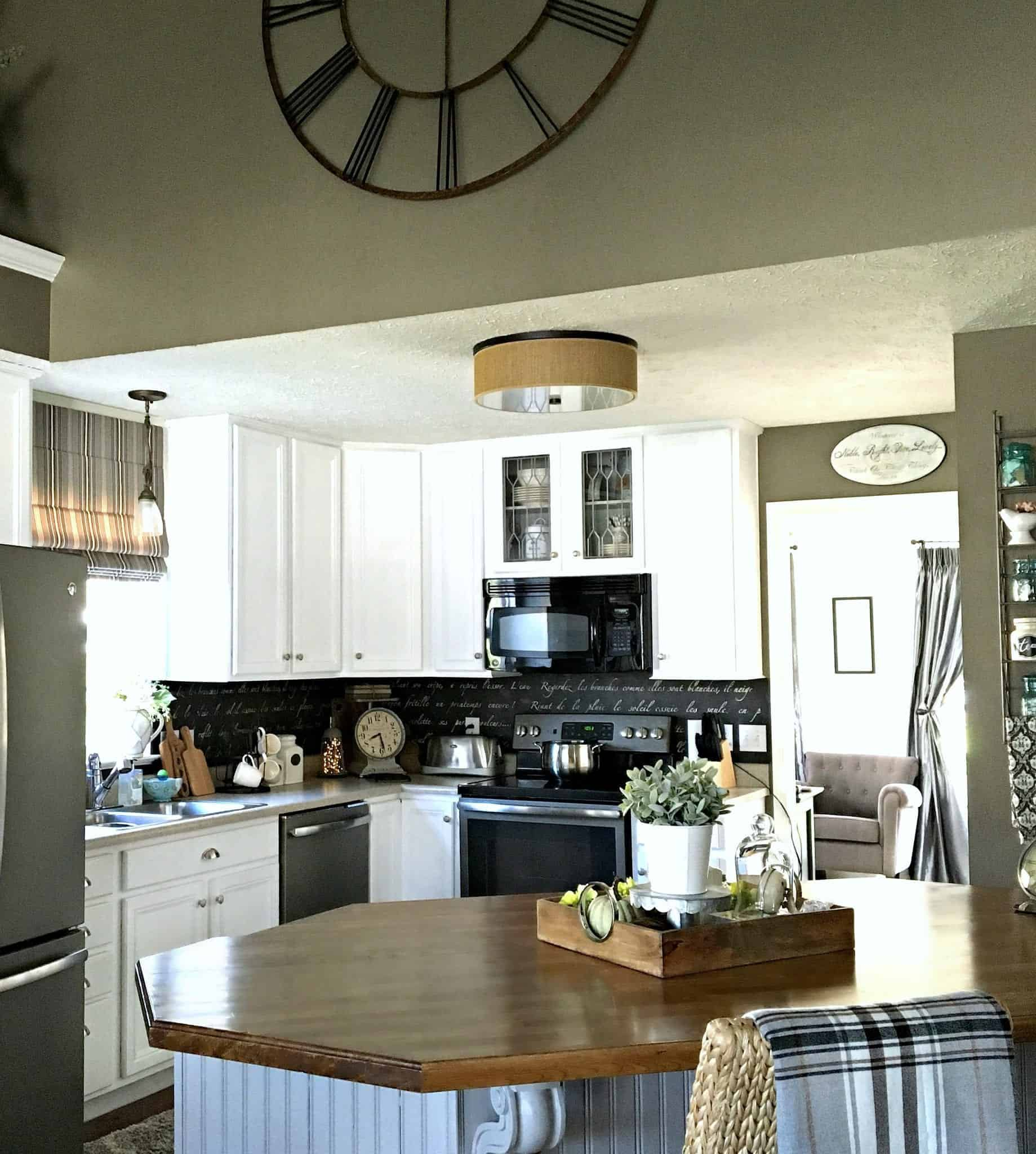 4 Tips On Painting Your Kitchen (+ 8 Embellishment Ideas