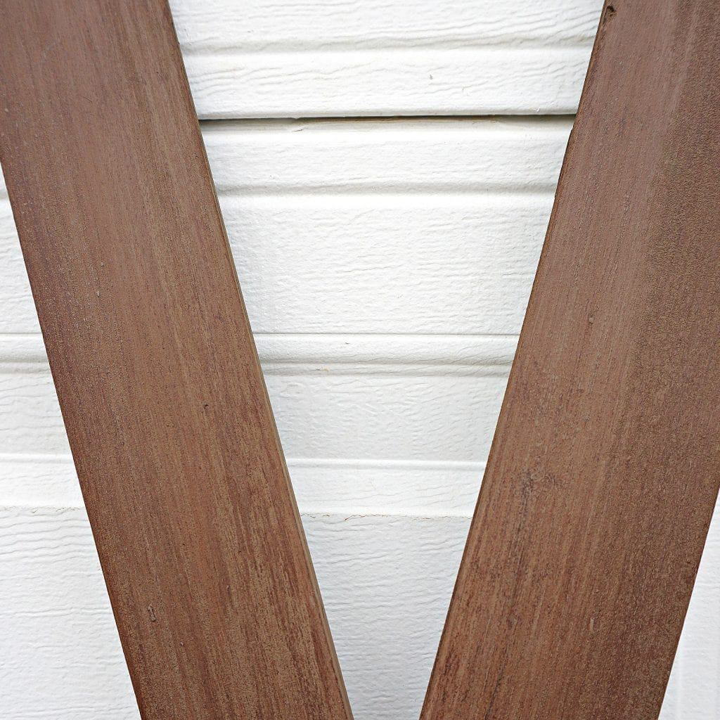 diy-faux-wooden-skis-close-up-of-skis-by-snazzylittlethings