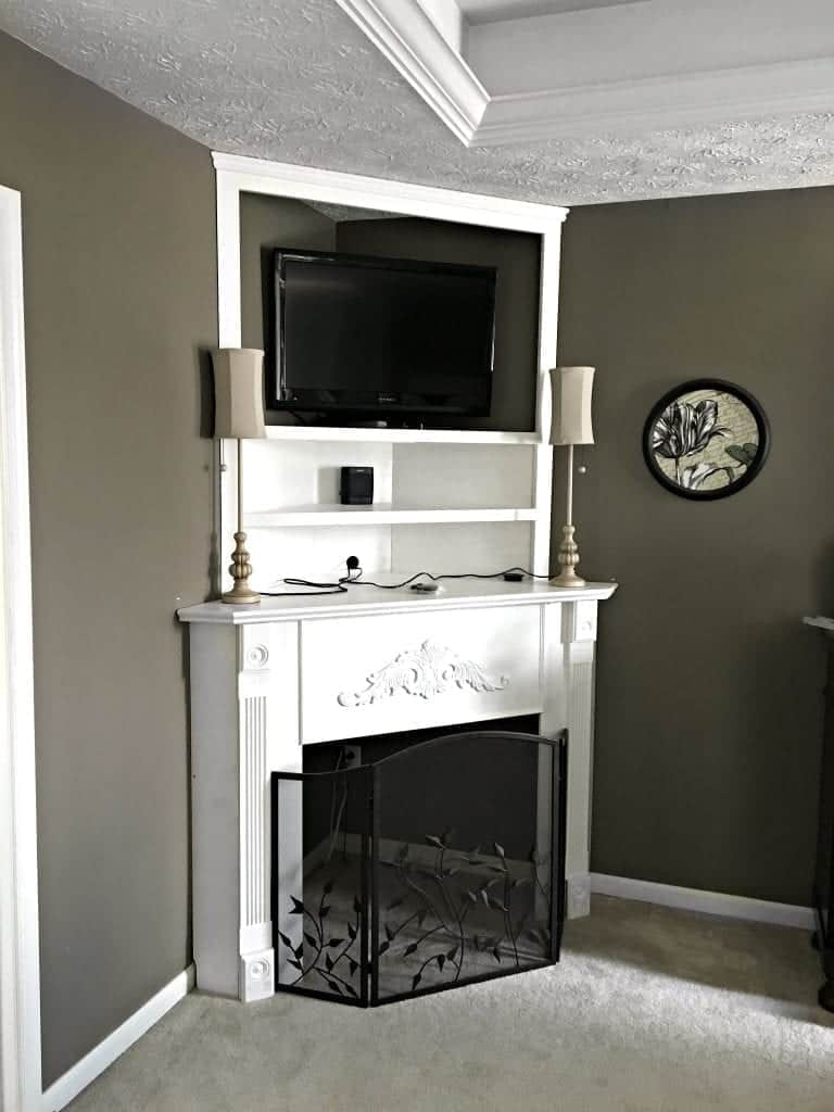 Diy corner mantel fireplace for Building a corner fireplace