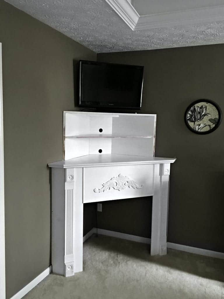 Diy Fireplace Mantel Diy Corner Fireplace Mantel In A Day Snazzy Little Things