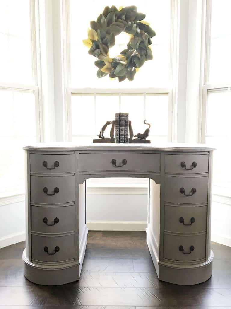 A pretty Antique Kidney Desk Makeover