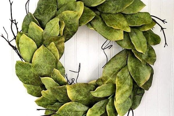 24 Magnolia Garden Wreath Close Up