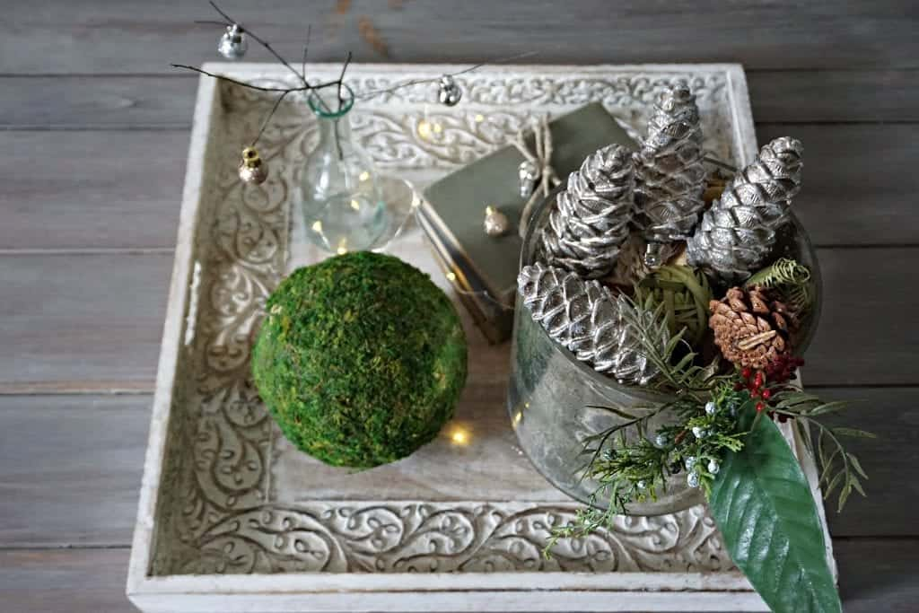 Modern Farmhouse 2017 Holiday Tour Centerpiece in Family Room