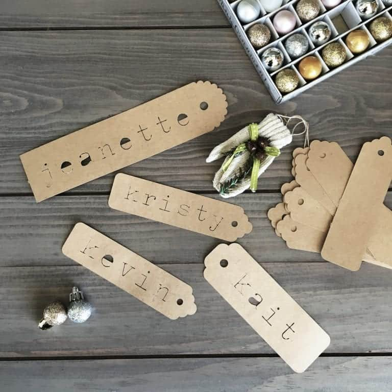 """Easy """"Vintage"""" Gift Tags"""