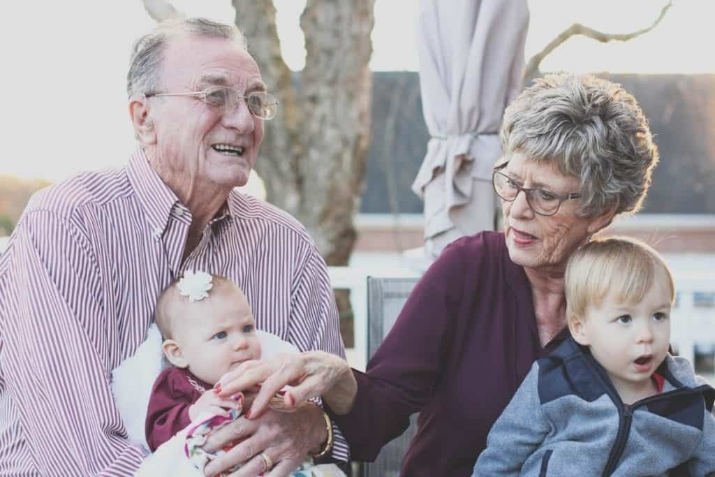 make everyone look good in family photos