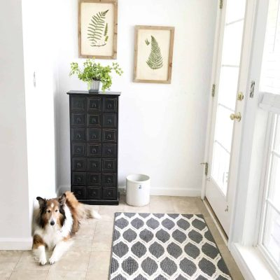New House Mini-Mudroom Makeover