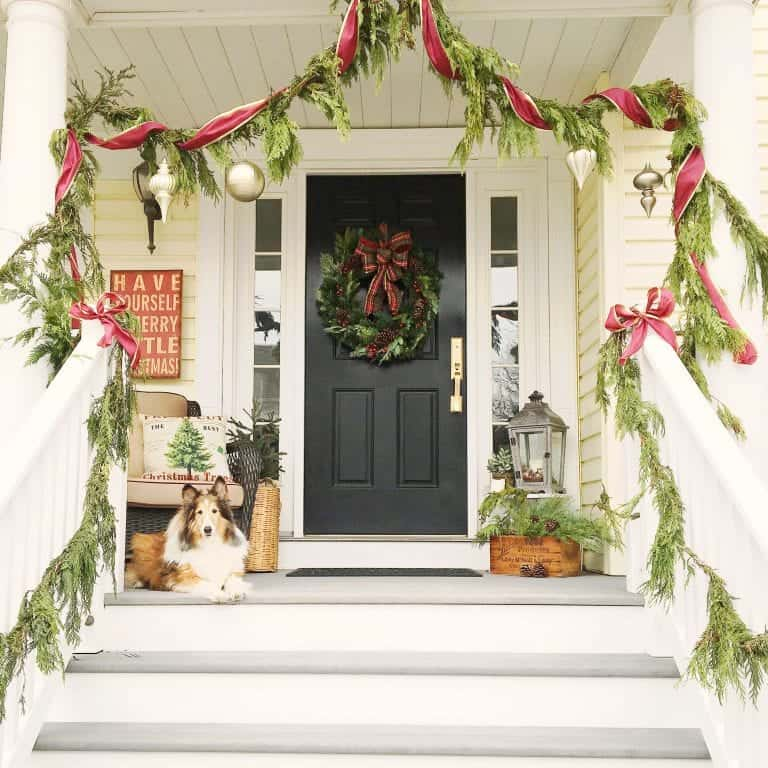 12 Welcoming Holiday Entrances