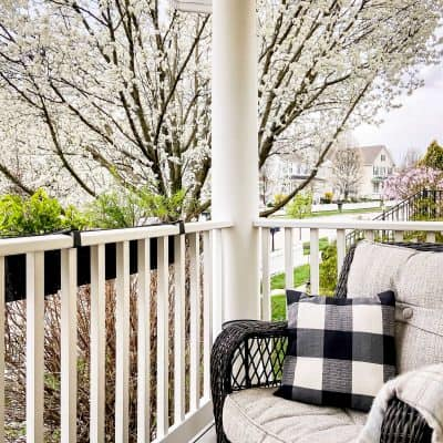Spring Porch Tour Full Bloom by Snazzy Little Things