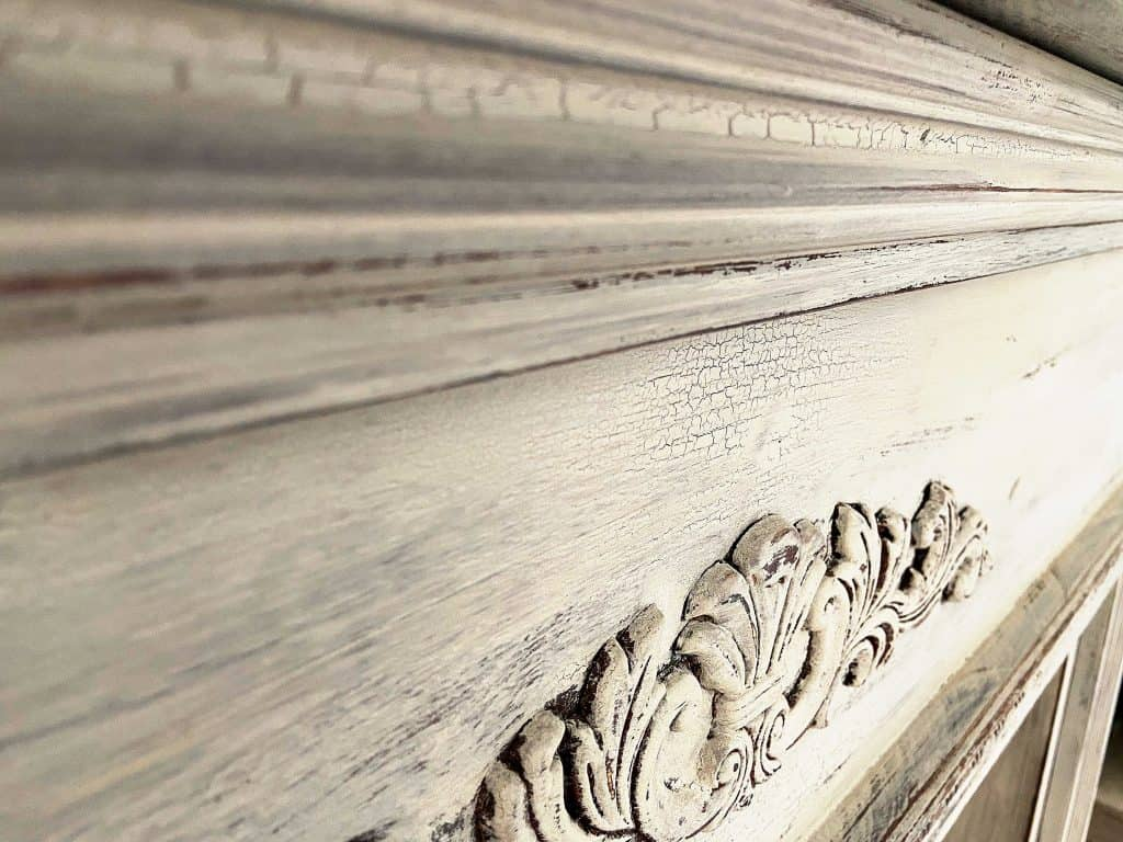 Milk Paint Basics for Beginners Up Close of Chippy effect by snazzy little things
